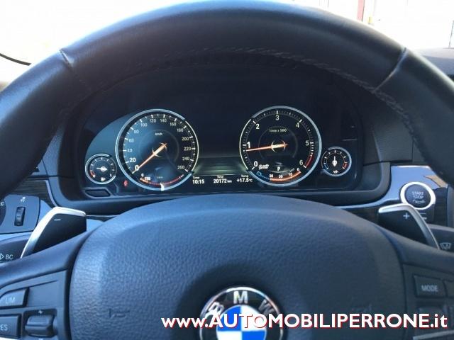 BMW 525 d Touring Luxury (List. ?77.800,00) Immagine 3