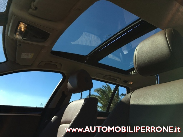 BMW 525 d Touring Luxury (List. ?77.800,00) Immagine 4