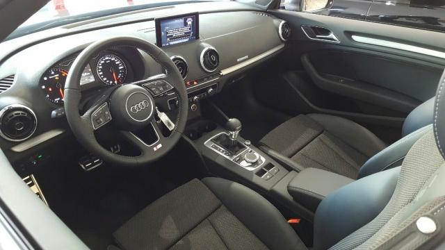 AUDI A3 Cabrio 2.0 TDI S tronic Sport S LINE Immagine 3