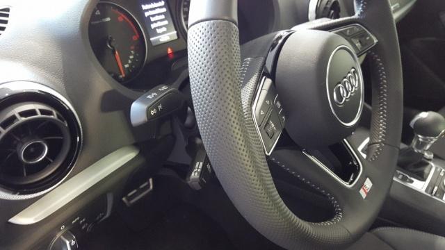 AUDI A3 Cabrio 2.0 TDI S tronic Sport S LINE Immagine 4