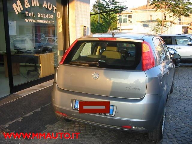FIAT Grande Punto 1.4 Starjet 16V 5 porte Dynamic !!! Immagine 3