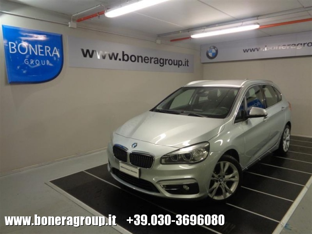 BMW 218 d Active Tourer Luxury Immagine 0