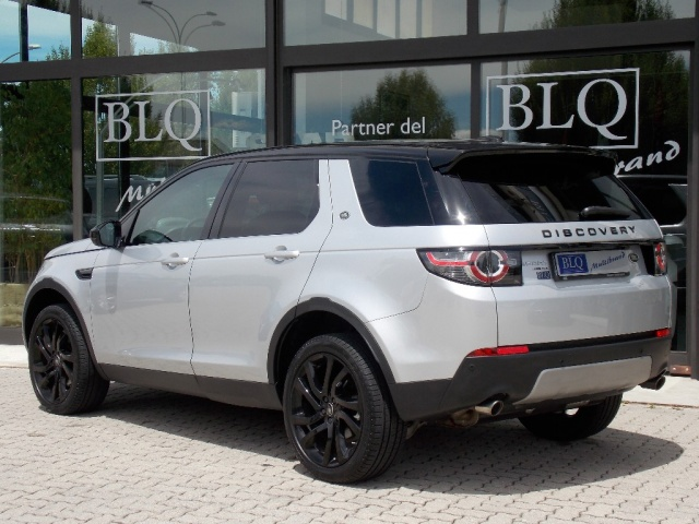 LAND ROVER Discovery Sport 2.0 TD4 150 CV HSE Immagine 2