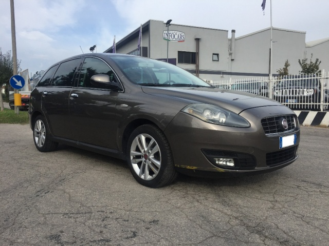FIAT Croma 2.4 Multijet 20V aut. Emotion Immagine 0