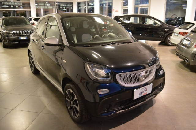 SMART ForFour 70 1.0 Passion Immagine 2