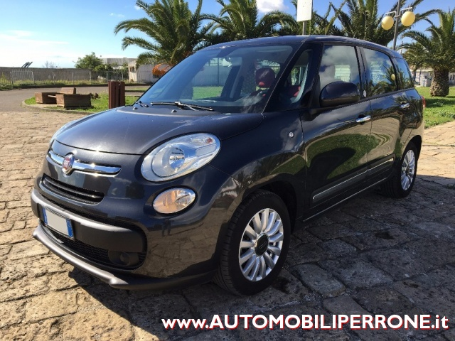 FIAT 500L Living 1.6 M-Jet Business + Navi Immagine 1