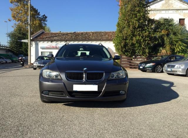 BMW 318 TOURING FUTURA CV 129 INT IN PELLE Immagine 1