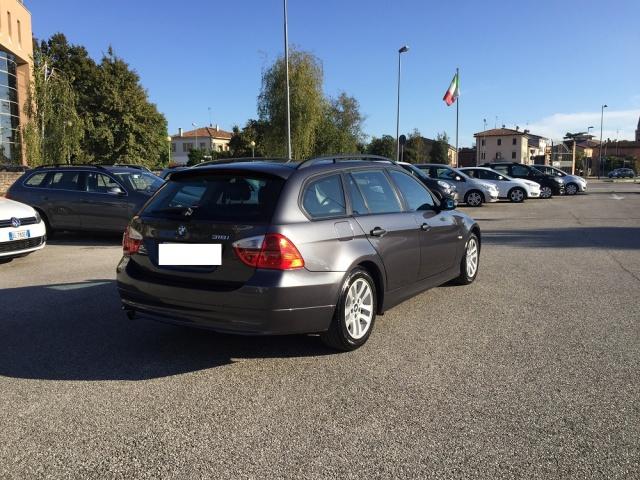 BMW 318 TOURING FUTURA CV 129 INT IN PELLE Immagine 3