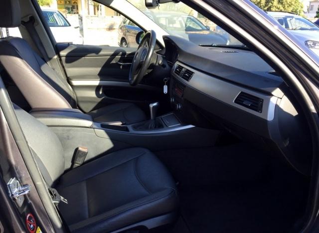 BMW 318 TOURING FUTURA CV 129 INT IN PELLE Immagine 4