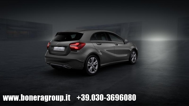 MERCEDES-BENZ A 200 d Automatic Sport Immagine 2