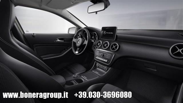 MERCEDES-BENZ A 180 d automatic Sport Immagine 3