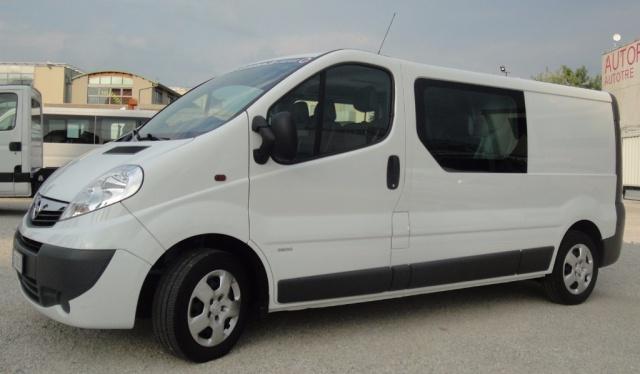 Elicottero 6 Posti Usato : Opel vivaro diesel usata in vendita a san zenone degli