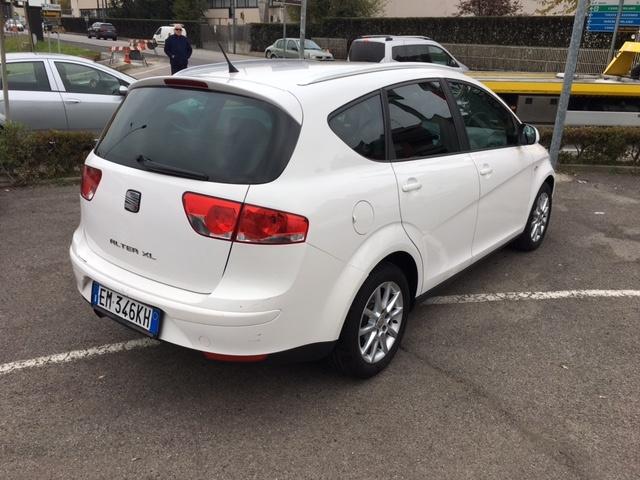 SEAT Altea XL 1.6 TDI STYLE Immagine 4