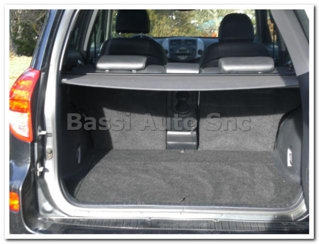 used cars 2006 s toyota rav 4 rav4 2 2 d 4d 177 cv luxury bassi