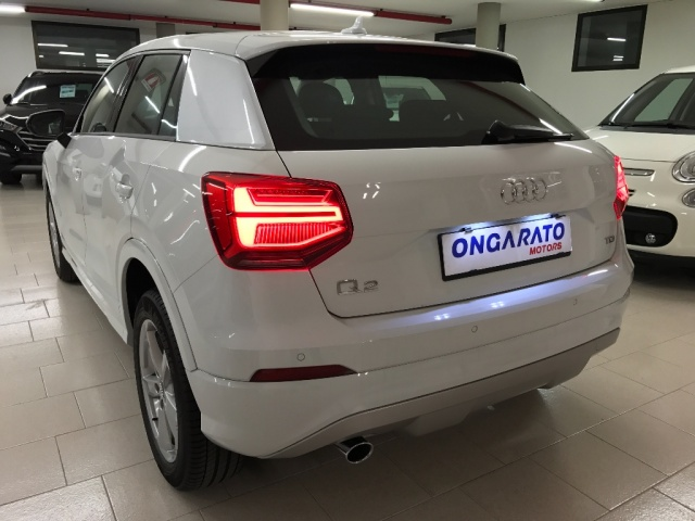 AUDI Q2 1.6 TDI Business Immagine 4
