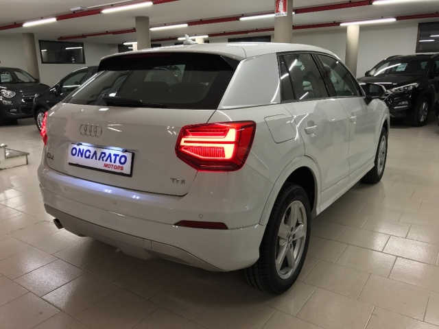 AUDI Q2 1.6 TDI Business Immagine 3