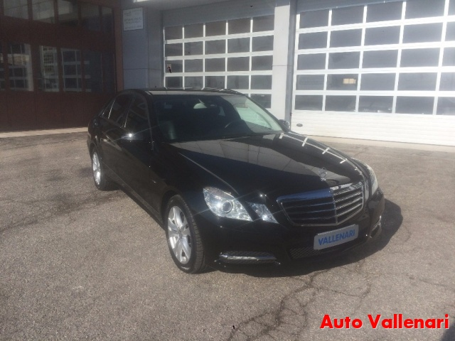 MERCEDES-BENZ E 220 CDI BlueEFFICIENCY Avantgarde Immagine 3