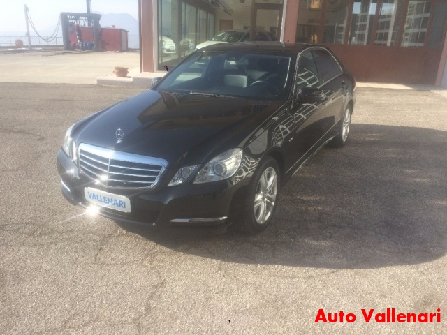 MERCEDES-BENZ E 220 CDI BlueEFFICIENCY Avantgarde Immagine 2