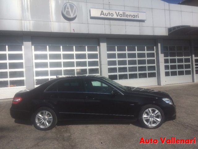 MERCEDES-BENZ E 220 CDI BlueEFFICIENCY Avantgarde Immagine 4