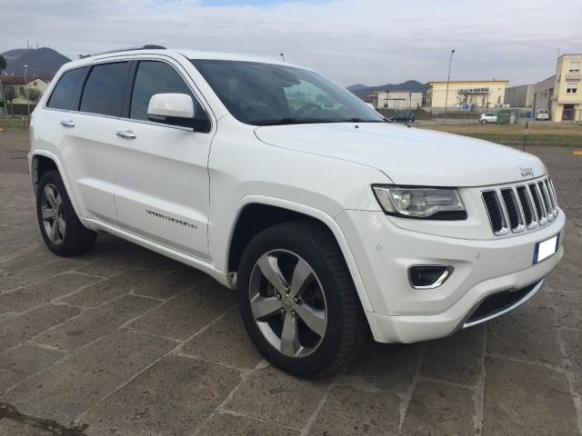 JEEP Grand Cherokee bianco cosmico  pastello