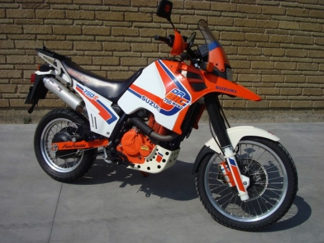 SUZUKI DR Big 750 Orange pastello