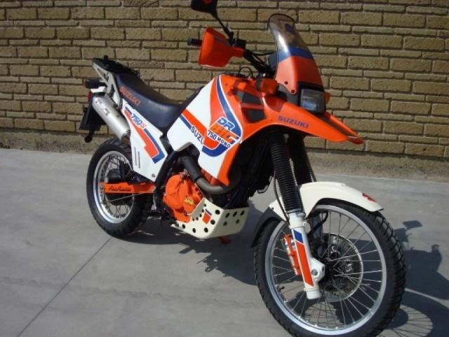 SUZUKI DR Big 750 DR Big 750 S (1988 - 89) Immagine 1