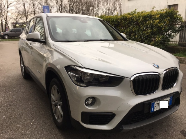 BMW X1 alpinweiss pastello