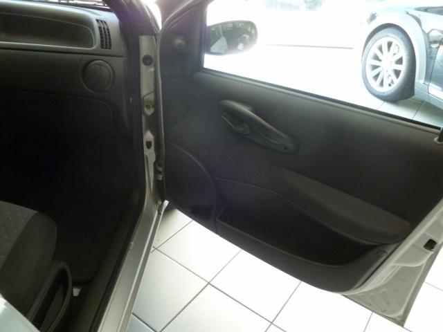 FIAT Punto 1300 DDIS 5 Porte Per NEOPATENTATI Immagine 4
