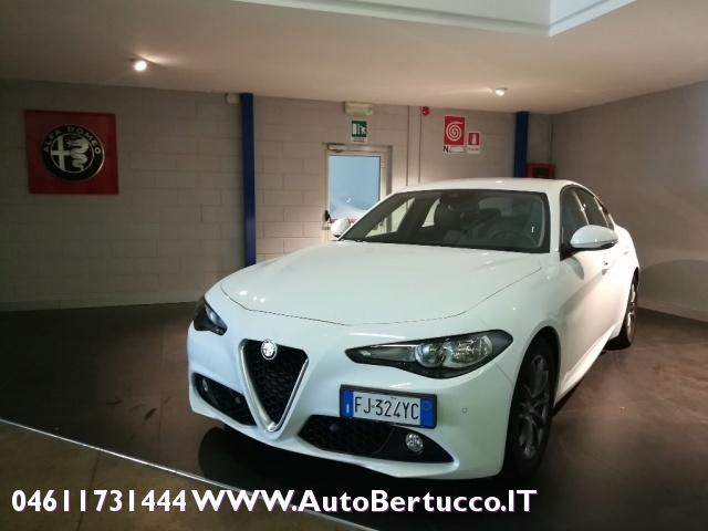 ALFA ROMEO Giulia 2.0 Turbo 200 CV AT8 Super Immagine 0