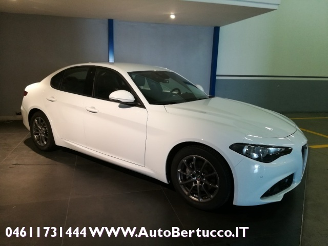 ALFA ROMEO Giulia 2.0 Turbo 200 CV AT8 Super Immagine 4