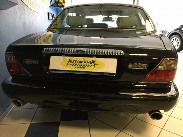 JAGUAR Daimler Super V8 4.0 Passo Lungo Immagine 3