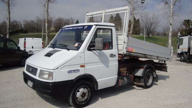 IVECO Daily 35.8 RIBALTABILE TRILATERALE