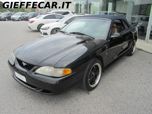ford mustang mustang gt cabrio 5000 annunci usato. Black Bedroom Furniture Sets. Home Design Ideas
