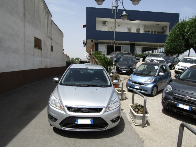 FORD Focus + 1.6 TDCi (110CV) 5p. Immagine 2