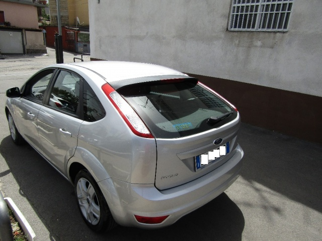 FORD Focus + 1.6 TDCi (110CV) 5p. Immagine 3