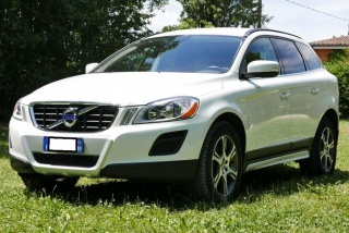 Volvo xc60 usato d4 awd geartronic momentum