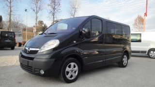 Opel vivaro 2 usato 7 2.5 cdti pc-tn tour ele. easy.
