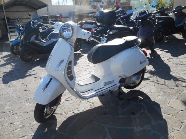 PIAGGIO Vespa GTS 300 Super HPE ABS - PROMO RCA+TASSO ZERO Immagine 2