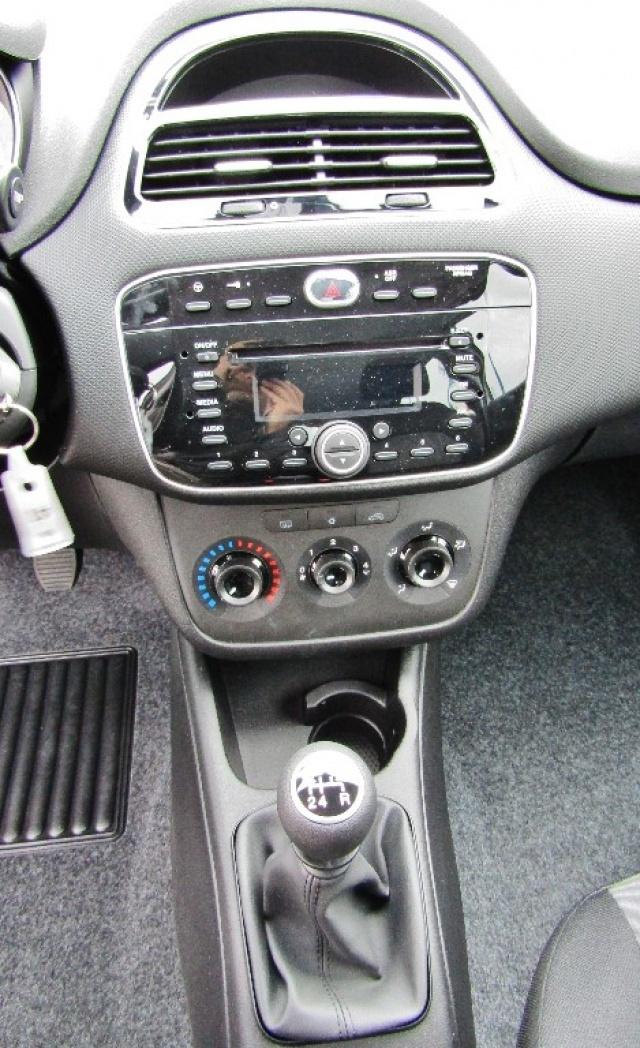 FIAT Punto 1.2 8V 5 porte Street (EURO 6) (KM0) Immagine 4