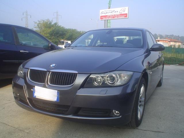 BMW 320 d cat Futura Immagine 0