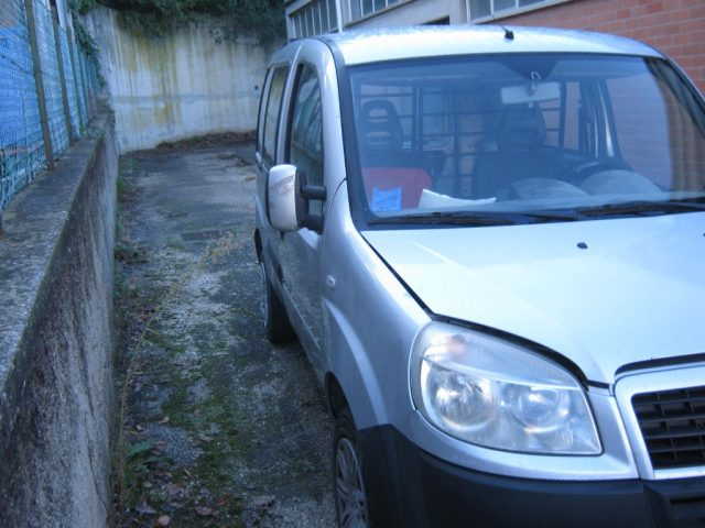 FIAT Doblo Doblò 1.6 16V Nat.Pow. Cargo Maxi Lam. Immagine 2