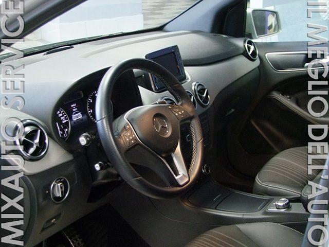MERCEDES-BENZ B 200 CDI 136cv Premium AUT EU5 Immagine 1