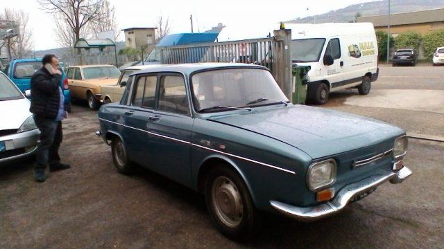 OLDTIMER Renault R10 Immagine 1