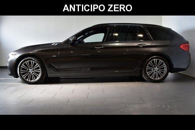 BMW 520 D XDrive Touring Sport 48V MILDHYBRID + gancio tra Immagine 1