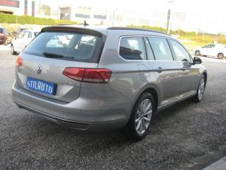 VOLKSWAGEN Passat Variant 2.0 TDI DSG Business BlueMotion Tech Usata