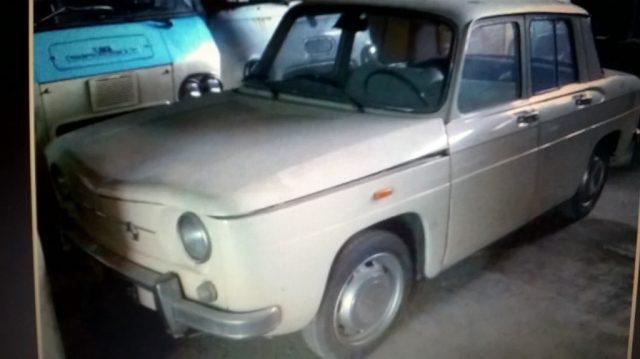 OLDTIMER Renault RENAULT 8