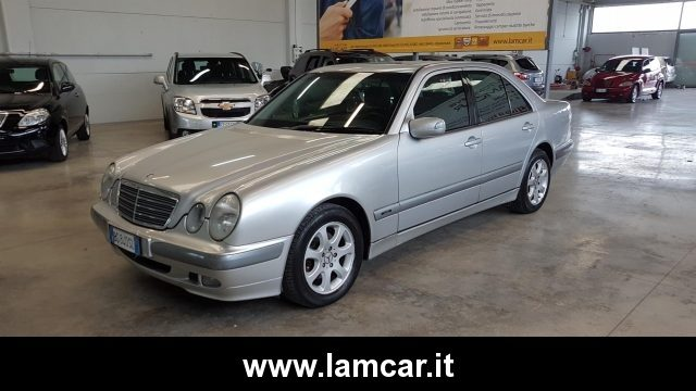 MERCEDES-BENZ E 270 CDI cat Elegance