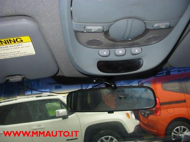 Immagine di KIA Carens 2.0 16V CRDi Class  AUTOMATIK!!!