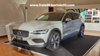 VOLVO V60 Cross Country D4 AWD Geartronic Business Plus Km 0