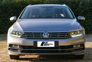 VOLKSWAGEN Passat Variant 2.0 TDI DSG Highline BlueMotion Technology Usata